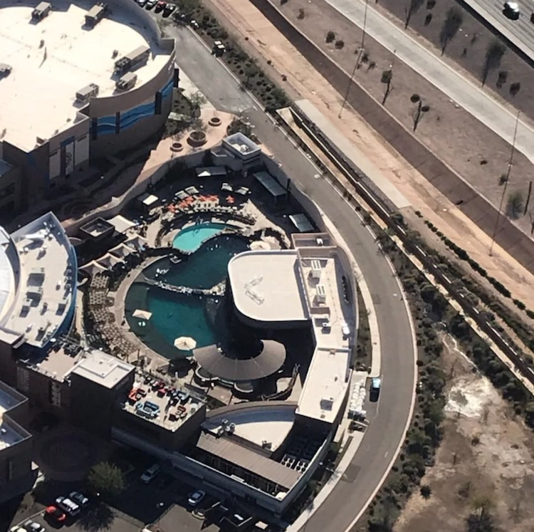 Vantage point of Dolphinaris Arizona from plane shows cramped conditions with no shade. Shut down Dolphinaris Arizona!