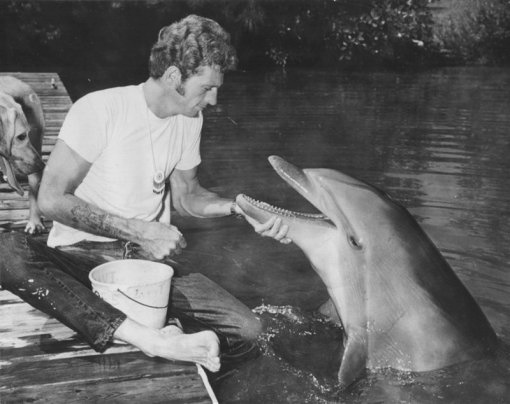 Ric O'Barry and bottlenose dolphin Kathy, 1968.